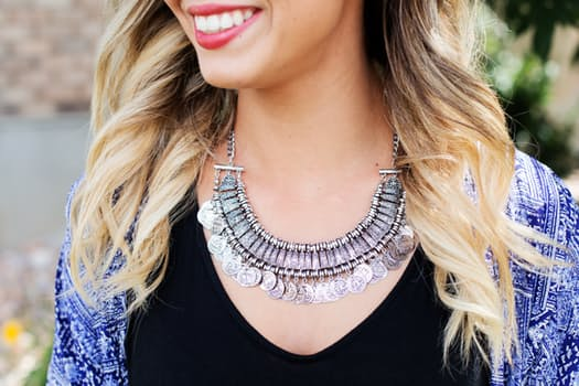 necklace-jewelry-silver-woman-46288