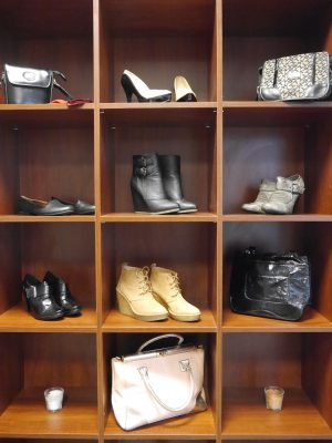 wardrobe-1141511_1280