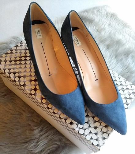 青い靴小さい