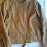 革ジャケットのコーデ ベージュの革ジャン買いました