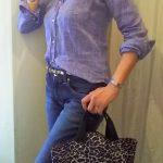 50代デニムのコーデ フランクアンドアイリーンのシャツと一緒に