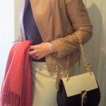 Chloéのバッグと 朱赤色のコーデ