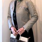 ロングフレアスカートのコーデ スカートの丈は時代を表す